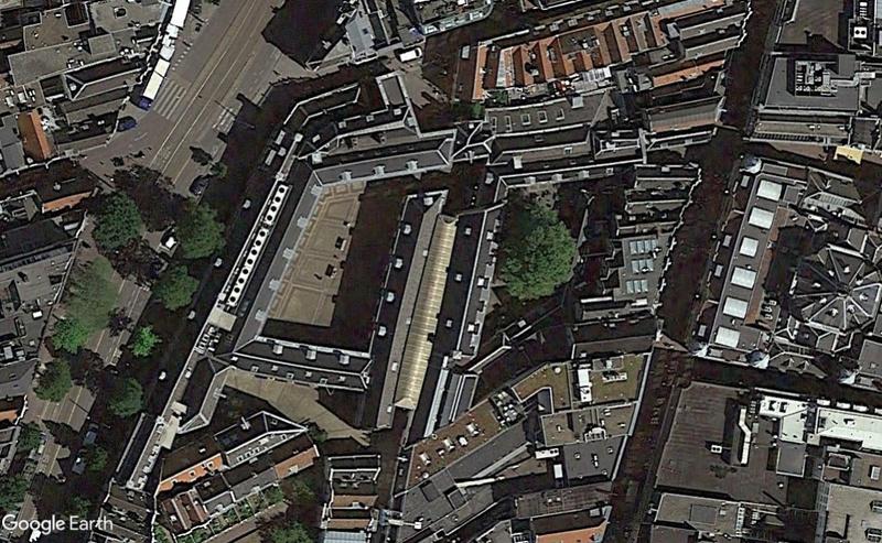 Street View : Lieux représentés sur des peintures célèbres (ou un peu moins) - Page 4 Cour10