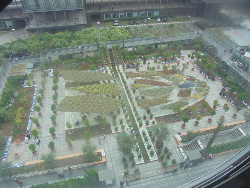 Instalation de Michel Péna pour l'exposition 'Jardin d'Orient', Institut du monde arabe à Paris (France) Dsc02710