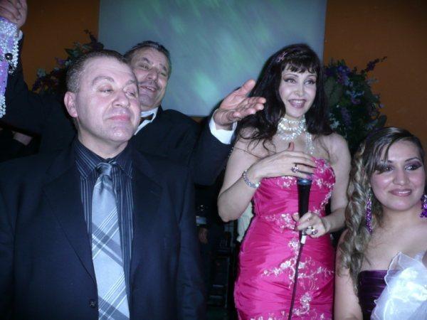 صوروفيديومن حفلة زواج سنان وساره في المانيا أحيتها المتألقه جوليانا جندو A15_bm10