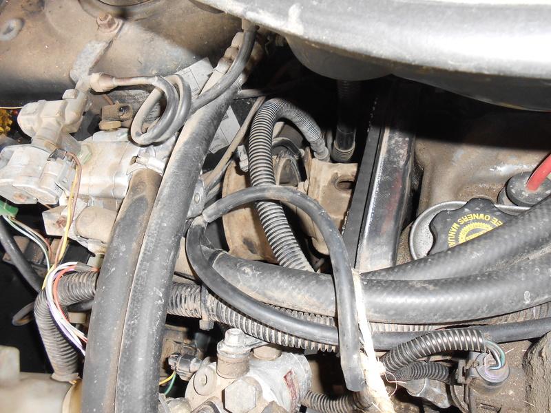 Changement courroie distribution S3 2,4l essence : le support moteur Dscn3312