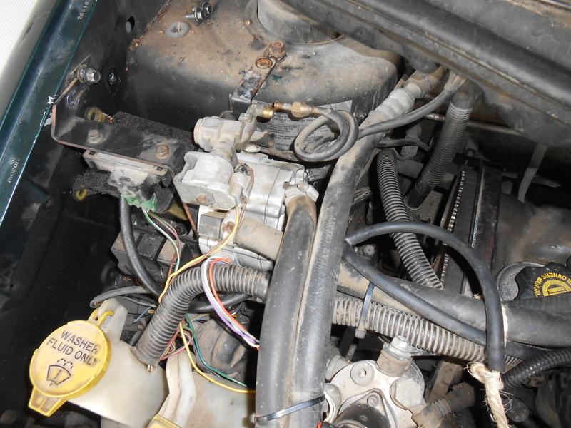 Changement courroie distribution S3 2,4l essence : le support moteur Dscn3319