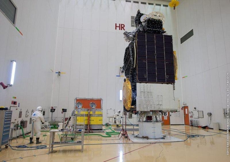 Lancement Ariane 5 ECA VA212 / Amazonas 3 + Azerspace - 7 février 2013 Sans_t93