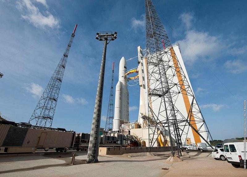 Lancement Ariane 5 ECA VA212 / Amazonas 3 + Azerspace - 7 février 2013 Sans_t94