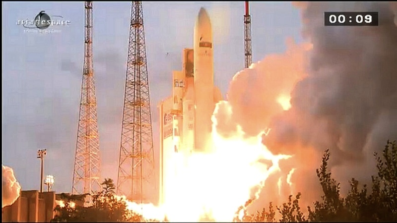 Lancement Ariane 5 ECA VA212 / Amazonas 3 + Azerspace - 7 février 2013 - Page 2 Sans_t97