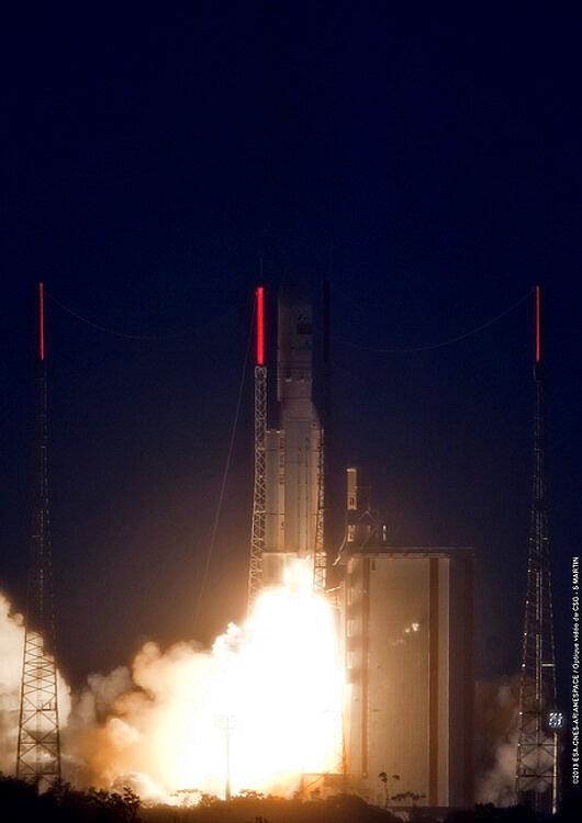 Lancement Ariane 5 ECA VA212 / Amazonas 3 + Azerspace - 7 février 2013 - Page 2 Sans_t98
