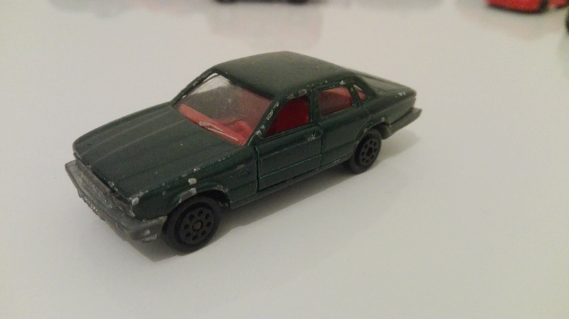 N°293 Jaguar XJ6 Img_2047