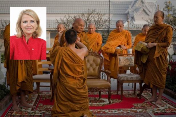 Birmanie - un zest d'ouverture de facade - Page 3 Moines10