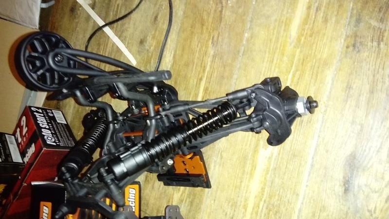 Hey !! Je suis de retour avec ... juste un chassis !!! - Page 2 Dsc_0517