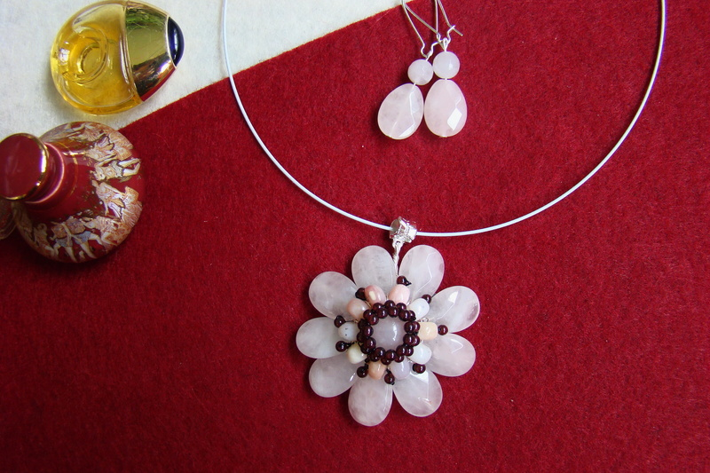 """""""Flori de piatră-Bijoux"""" albumul II-bijuterii artizanale marca Didina Sava - Pagina 10 Colie123"""