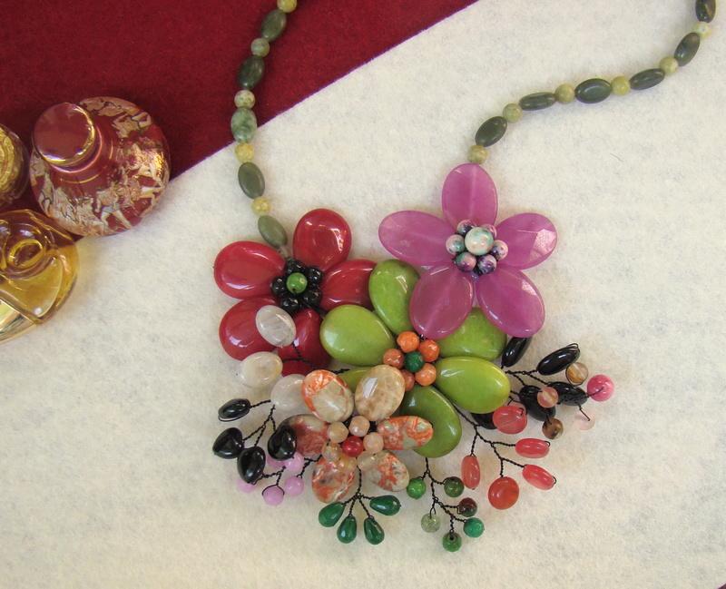 """""""Flori de piatră-Bijoux"""" albumul II-bijuterii artizanale marca Didina Sava - Pagina 10 Colier11"""