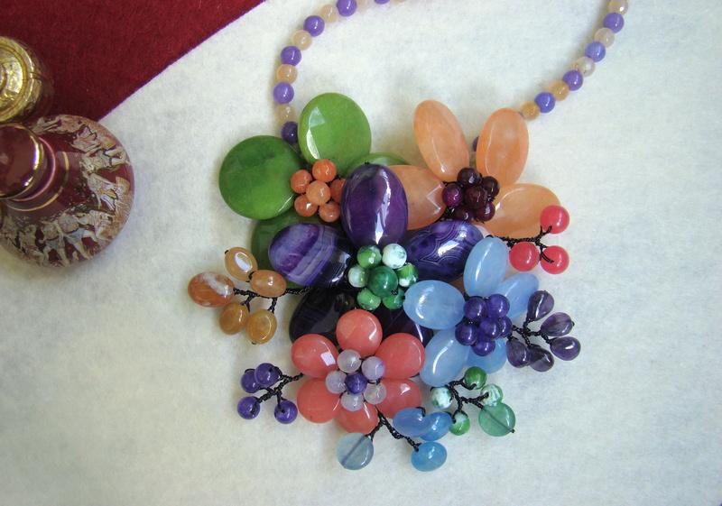 """""""Flori de piatră-Bijoux"""" albumul II-bijuterii artizanale marca Didina Sava - Pagina 10 Colier20"""