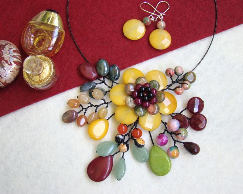 """""""Flori de piatră-Bijoux"""" albumul II-bijuterii artizanale marca Didina Sava - Pagina 9 Colier69"""