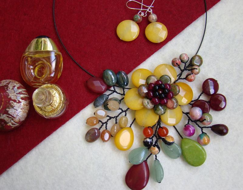 """""""Flori de piatră-Bijoux"""" albumul II-bijuterii artizanale marca Didina Sava - Pagina 9 Colier70"""