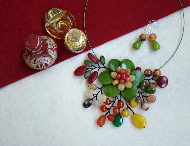"""""""Flori de piatră-Bijoux"""" albumul II-bijuterii artizanale marca Didina Sava - Pagina 9 Colier71"""