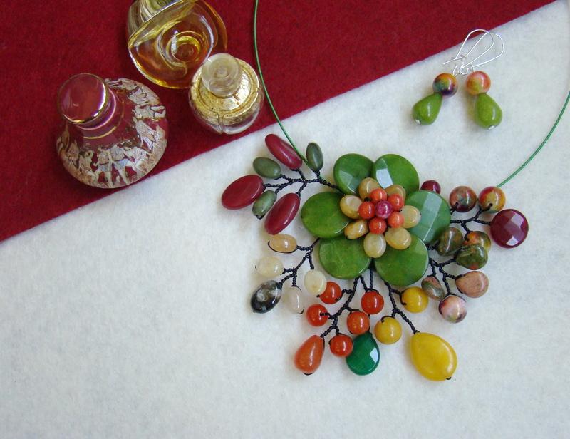 """""""Flori de piatră-Bijoux"""" albumul II-bijuterii artizanale marca Didina Sava - Pagina 9 Colier72"""