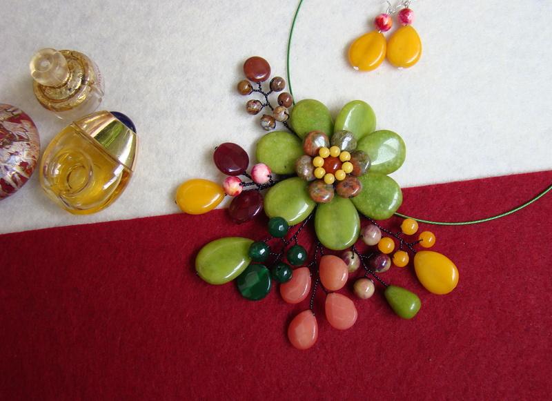 """""""Flori de piatră-Bijoux"""" albumul II-bijuterii artizanale marca Didina Sava - Pagina 10 Colier92"""