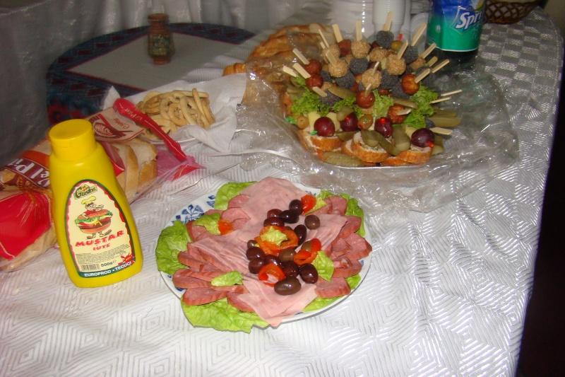 Prieteni sărbătorind un prieten- Liviu Apetroaie la 39 ani Liviu_41