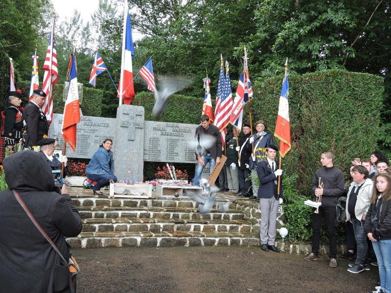 Mémorial Buckmaster de ma commune .  - Page 2 Dscn4512