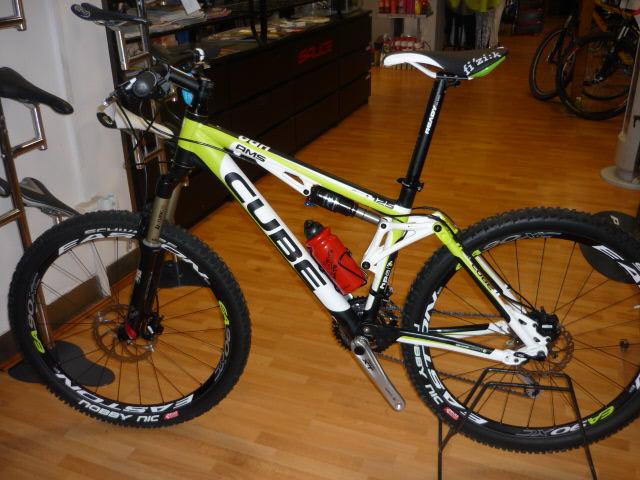 CUBE AMS 125 2009 e 2010 P1020010