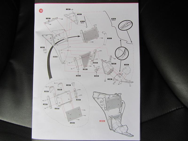 DUCATI SUPERBIKE 1299 PANIGALE S -  1:4 - Pocher gebaut von XEDOS - Seite 2 Img_6610
