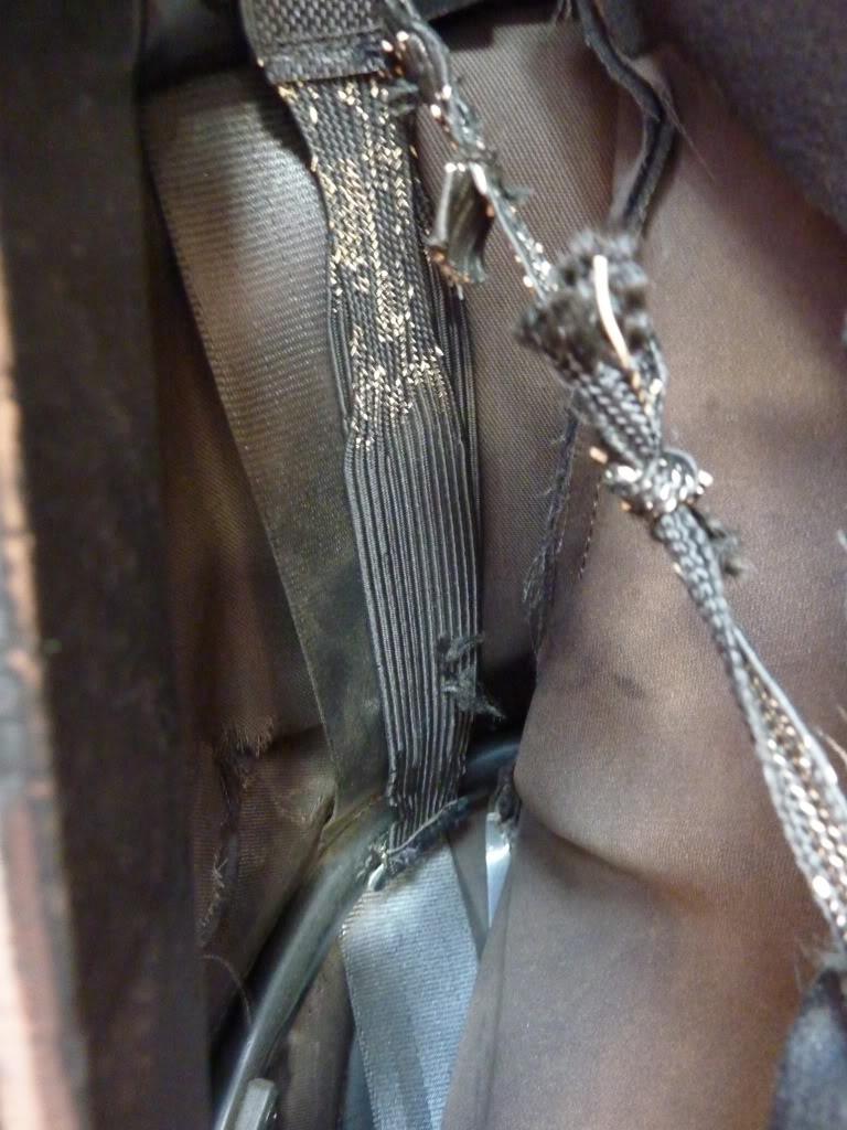 [ CAPOTA ] Brico : Cambiar los tensores internos de la capota P1040015
