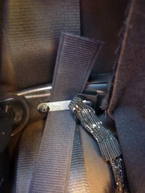 [ CAPOTA ] Brico : Cambiar los tensores internos de la capota P1040312