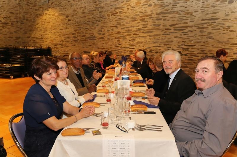 [ Associations anciens Marins ] Une nouvelle nuit de la Marine pour L'AMMAC d'Angers Bal20125