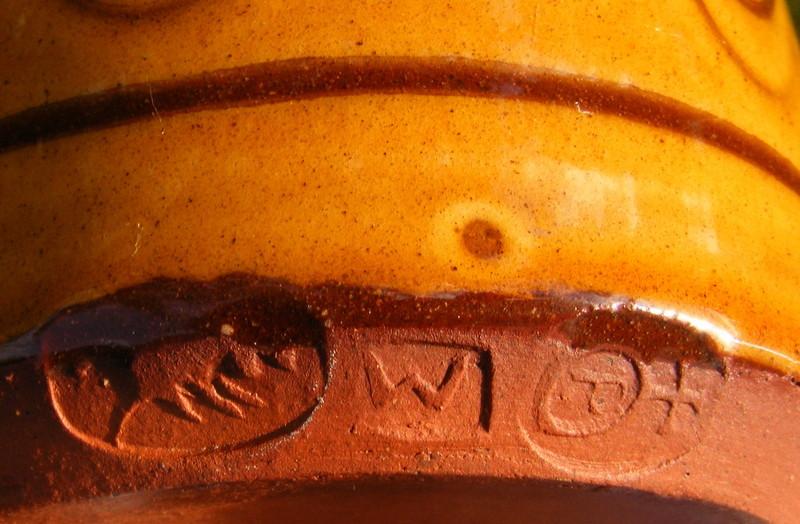 Pantasaph Pottery (Wales) Dscf5110