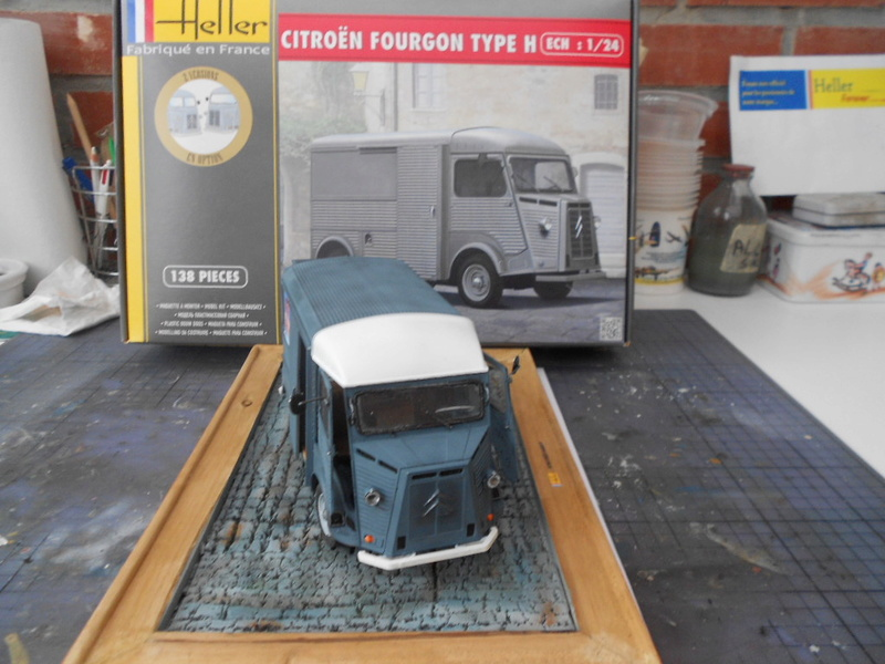 Citroën fourgon type h  1/24  heller - Page 4 Hy_ter35