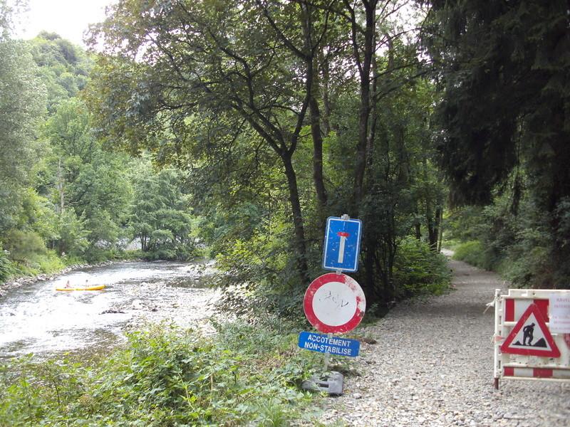 RAVeL 5 Ourthe Liege - Durbuy - Itinéraire N°7 - Sur la route des Ardennes - Page 4 Combla11