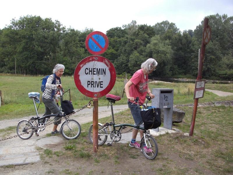RAVeL 5 Ourthe Liege - Durbuy - Itinéraire N°7 - Sur la route des Ardennes - Page 4 Hony_c10