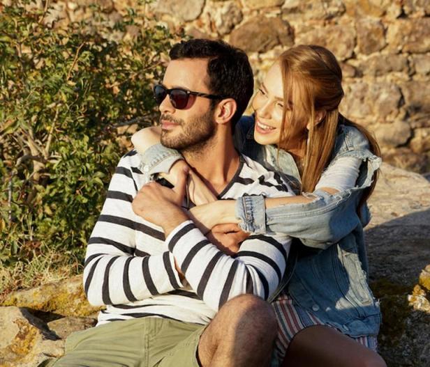 Timpul fericirii - Mutluluk zamani Elcinb10