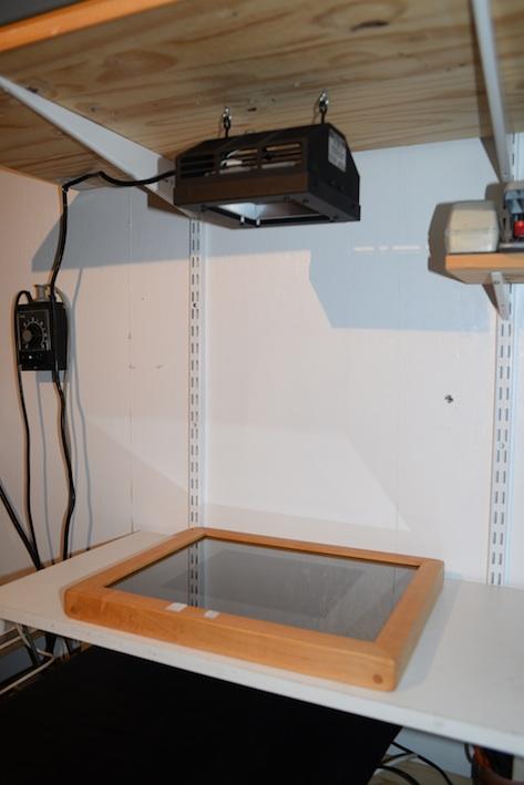 chassis-presse à dépression pour exposer trame et papier gélatiné Insole10
