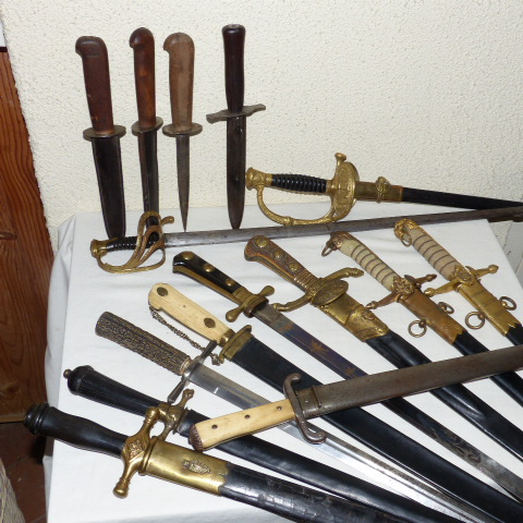 dagues,poignards etc...chinés cette semaine. P1080110