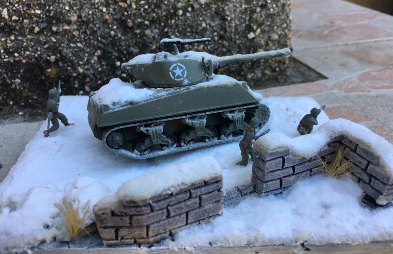Sherman sous la neige 1/72 - Page 3 Img_7419