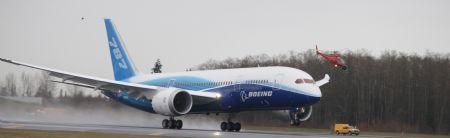 Le Boeing 787 est arrivé - Page 2 Xinsrc12