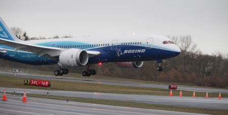 Le Boeing 787 est arrivé - Page 2 Xinsrc13
