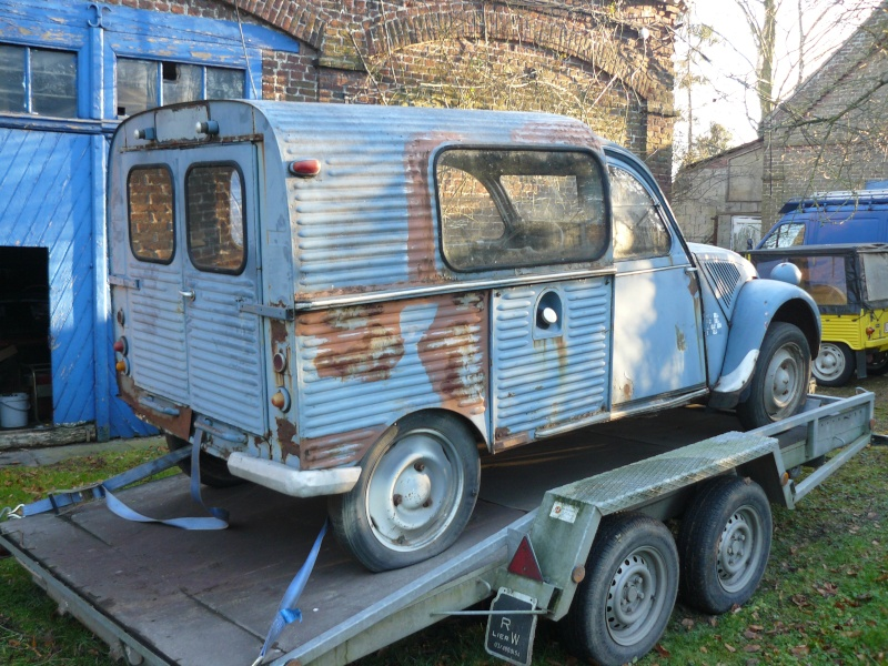 La 2cv Azul Week End civile P1000010