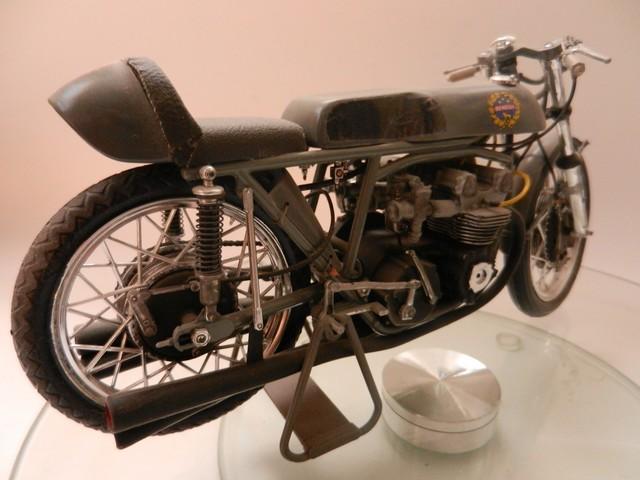 Moto Benelli 250cc 01516
