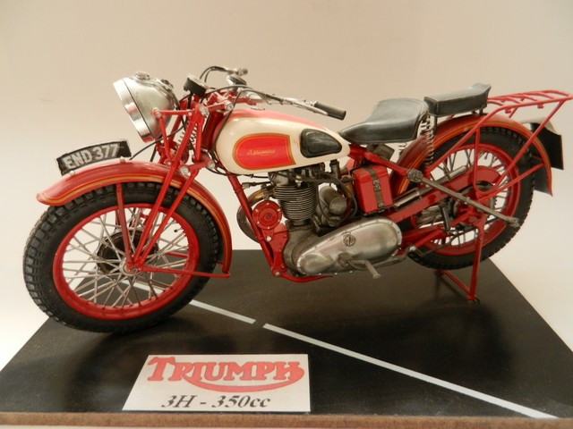 Moto Triumph 3H-350CC - ESCI 1:9 02618