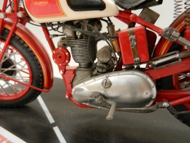 Moto Triumph 3H-350CC - ESCI 1:9 02918