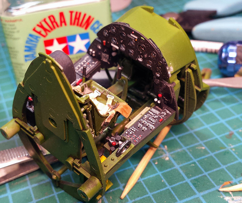 "Tamiya 1/32 F4U-1A: Lt P. Whiting ""Luscious Lil-Nan 0811"