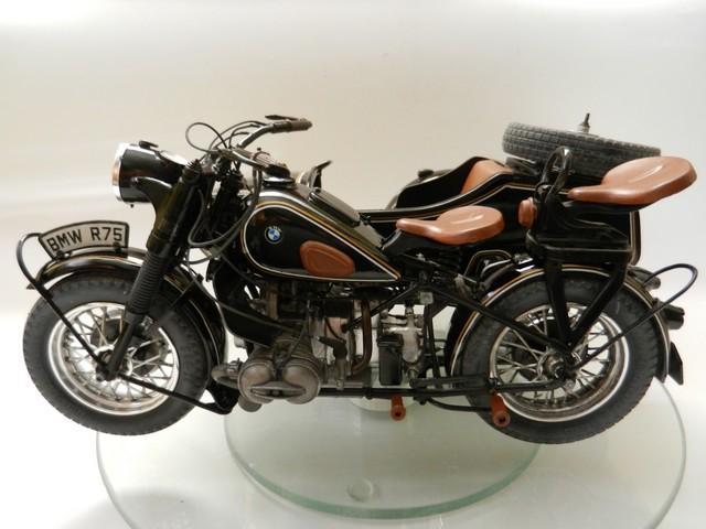 Moto BMW avec sidecar Dscn2324