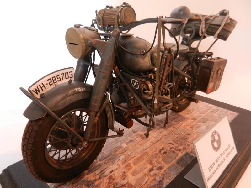 Moto BMW R/75 Solo Wehrmacht Division Infanterie Dscn4619