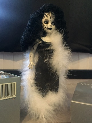 [VENDS] Living Dead Dolls (modèles rares) Img_8324