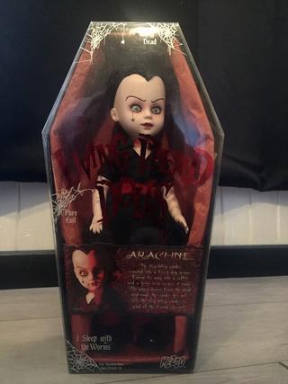 [VENDS] Living Dead Dolls (modèles rares) Img_8327