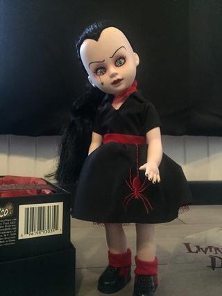 [VENDS] Living Dead Dolls (modèles rares) Img_8328