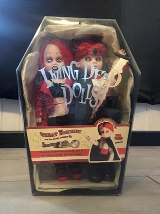 [VENDS] Living Dead Dolls (modèles rares) Img_8332