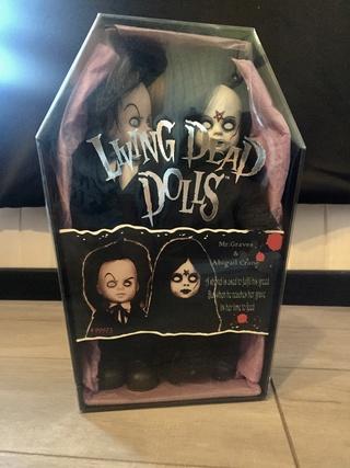 [VENDS] Living Dead Dolls (modèles rares) Img_8335