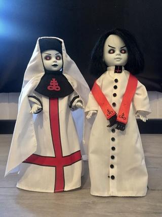 [VENDS] Living Dead Dolls (modèles rares) Img_8342